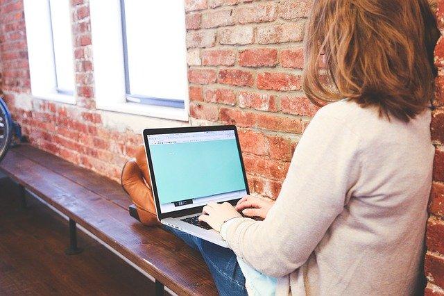 Práce na internetu
